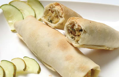 Apple Paneer Roll