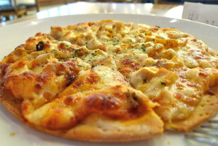 Chicken Thin Crust Pizza