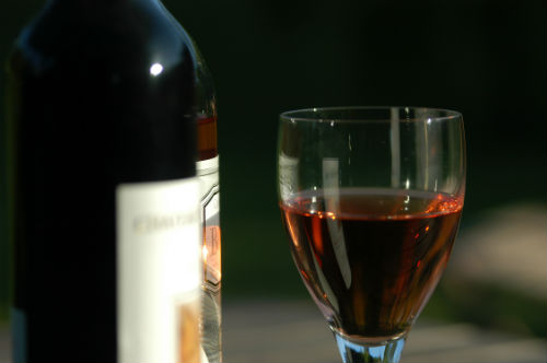 Choosing the Right Wine for Summer Gatherings