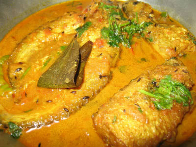 Doi Maach / Bengali Fish in Yogurt Gravy