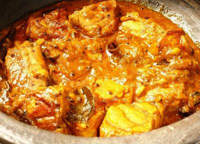 Fish in Onion Tomato Gravy