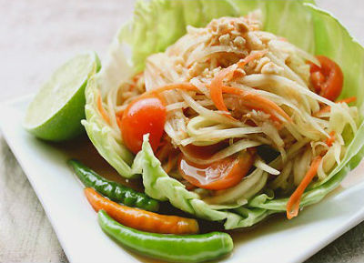 Thai Green Papaya Salad - Som Tam (Thai Green Papaya Salad)