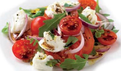 Tomato Red Onion Mozzarella Salad - Tomato, Red Onion and Mozzarella Salad