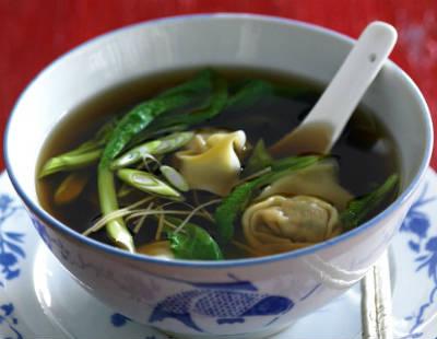 chicken prawn wonton noodle soup - Chicken and Prawn Wonton Noodle Soup