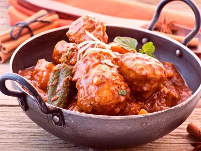 Mughlai Chicken in rich gravy