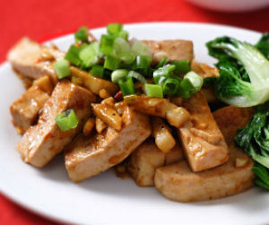 Fried Tofu in Chili Garlic Sauce
