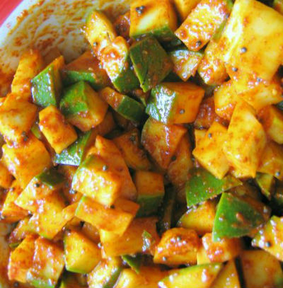 mango pickle - Vendhaya Mango