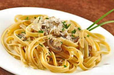 Pasta with Tuna and Mushroom Sauce
