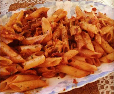 Penne with Garlic Tomato Sauce