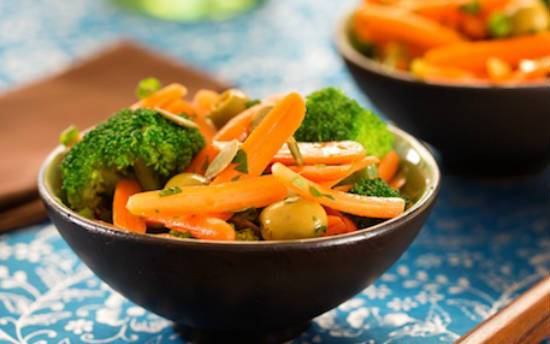 broccoli carrot salad - Broccoli Carrot Salad