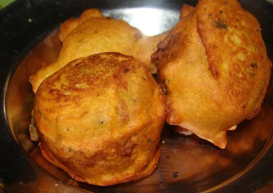 Potato Bonda (Aloo Bonda)