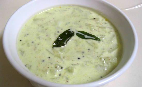 Vellarikai Thayir Pachadi (Cucumber Curd Pachadi)