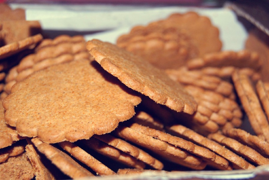 ginger biscuits - Ginger Biscuit