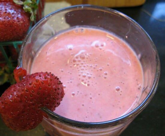 strawberry lassi - Strawberry Lassi