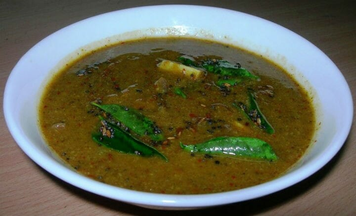 Karuveppilai Kuzhambu (Curry Leaves Sambar)