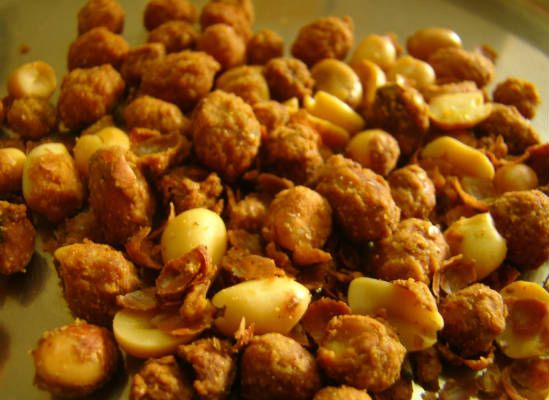 masala peanuts - 20 Must Have Diwali Sweets and Snacks