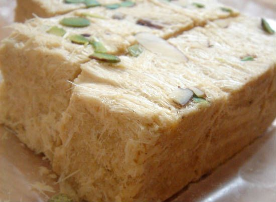 soan papdi - 20 Must Have Diwali Sweets and Snacks