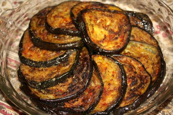 baingan bhaja fried brinjals - 25 Popular Navratri Vrat and Durga Puja Recipes