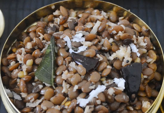 Kollu Sundal Recipe (Horsegram Sundal Recipe)