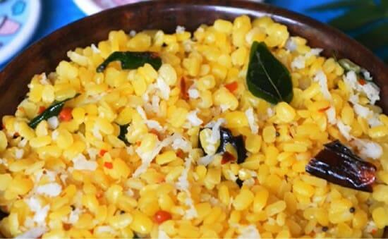 Moong Dal Sundal (Pasi Paruppu Sundal) Recipe