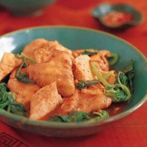 Braised Chicken Wings with Tofu and Spinach