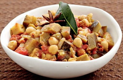 Brinjal and Chickpea Curry