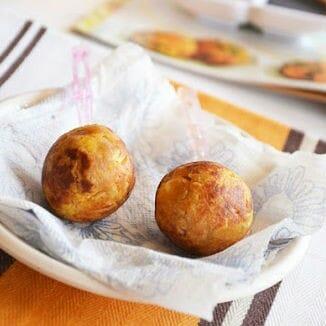 Cabbage Paneer Balls - Fried Capsicum Sandwich