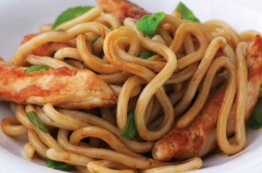 Chicken Noodles Basil 380x250 - Chicken with Noodles and Basil