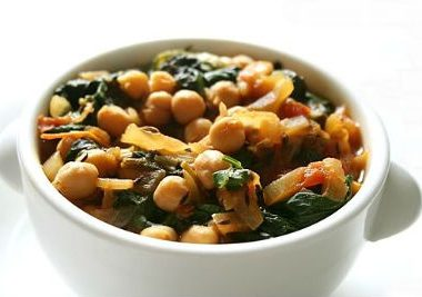 Chickpeas Spinach Curry 380x267 - Chickpeas and Spinach Curry