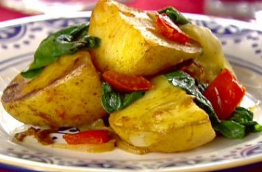 Spicy Potatoes Spinach 380x250 - Spicy Potatoes and Spinach