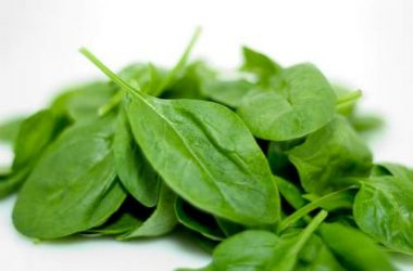 Spinach Leaves 380x250 - Spinach with Spicy Peanut Sauce