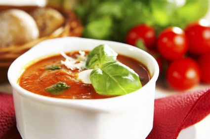 Tomato Soup with Garlic and Basil
