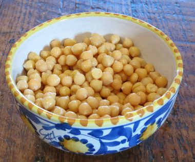 boiled chickpeas 380x316 - Spicy Chickpeas with Potatoes