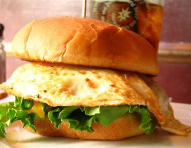 egg burger 380x295 - Capsicum and Egg Sandwich