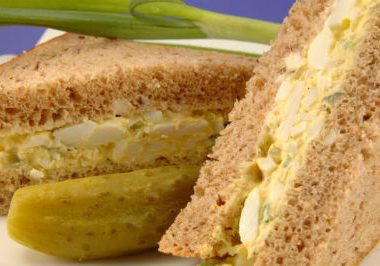 egg paneer sandwich 380x266 - Scrambled Masala Omelette with Garlic