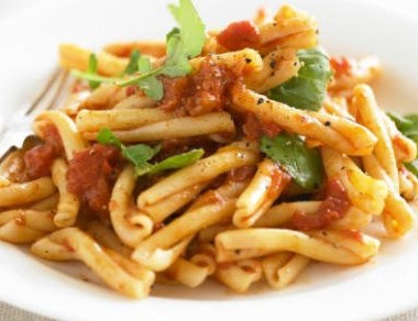 pasta with arrabiata sauce 380x292 - Penne with Garlic Tomato Sauce