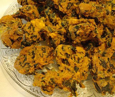 spinach pakoda 380x321 - Spinach Pongal