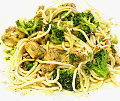 chicken broccoli noodle salad - Chicken, Broccoli and Noodle Salad
