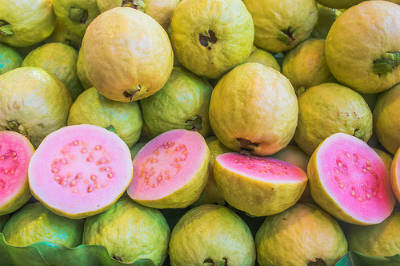 red guavas - Guava Pickle
