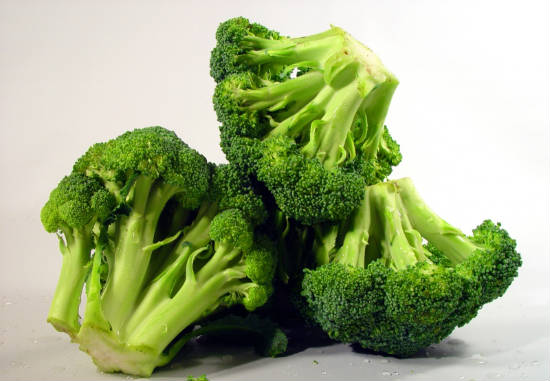 broccoli - 11 Foods that Increase Metabolism