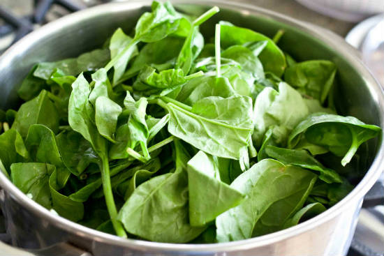 spinach - 11 Foods that Increase Metabolism
