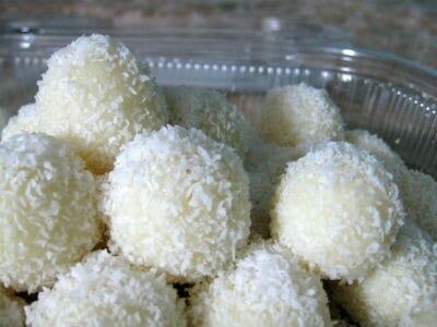 coconut laddu - மில்க்மெய்டு தேங்காய் லட்டு