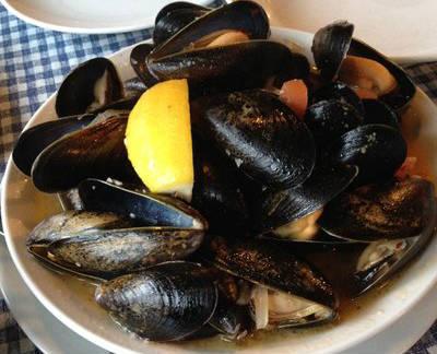 spicy steamed mussels - Tisrya Dum Masala (Spicy Steamed Mussels)