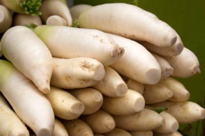 white radish - Mullangi (Radish) Poriyal