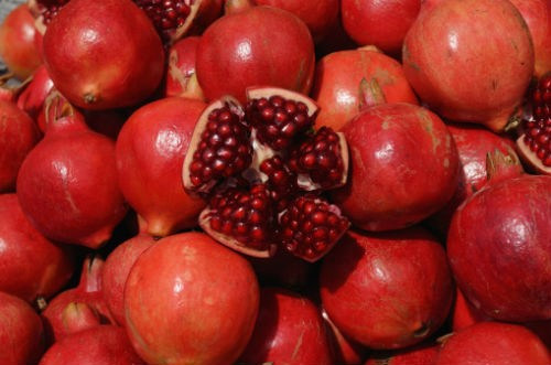 Pomegranate - Beat the Summer Heat with Fruits and Juices