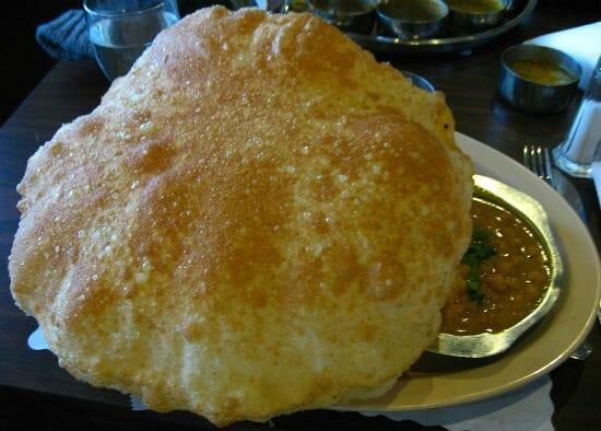 சோளா பூரி (Chola Poori / Chola Puri)