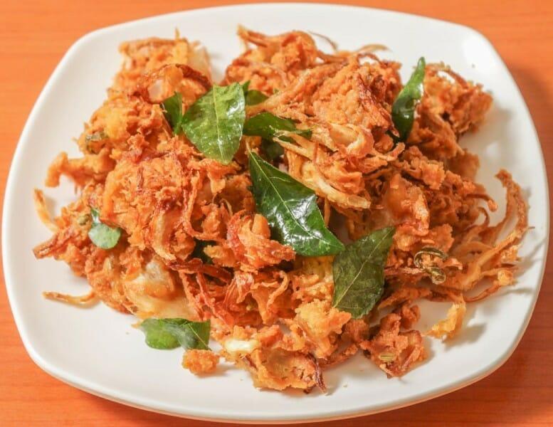 onion pakoda - வெங்காய பக்கோடா
