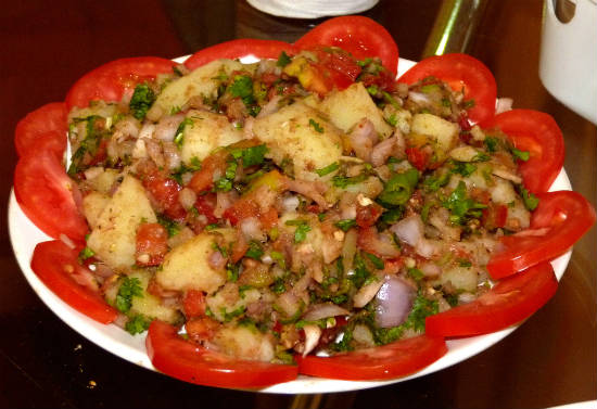 aloo chaat - 15 Popular Indian Appetizers and Snacks