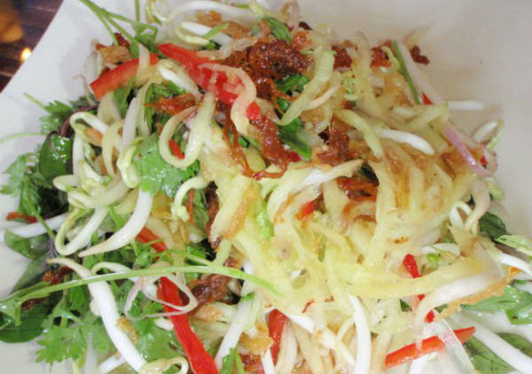green papaya mango salad - பப்பாளி மாங்காய் சாலட்
