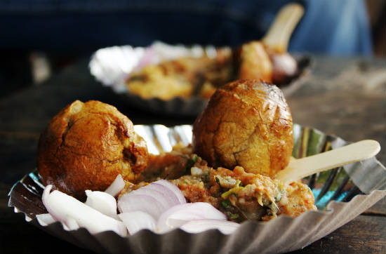 litti chokha - 15 Popular Indian Appetizers and Snacks